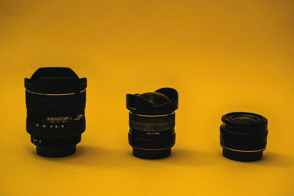 Kuvituskuva, kameran objektiiveja